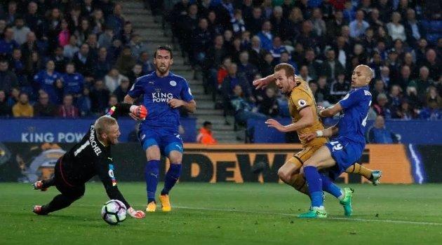 Harry Kane a marcat 4 goluri în meciul Leicester - Tottenham 1-6 (18 mai 2017)
