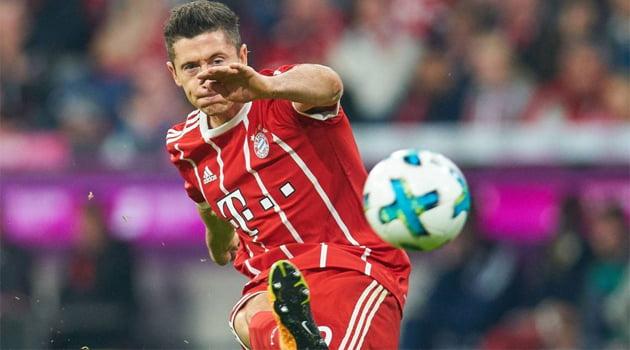 Robert Lewandowski a deschis scorul în meciul Bayern Munchen - VfL Wolfsburg 2-2