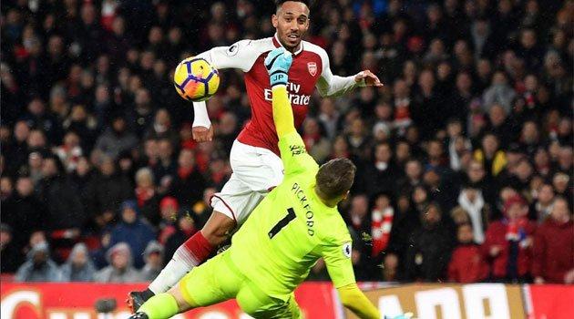 Aubameyang a marcat la debutul său la Arsenal, 5-1 cu Everton