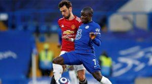 NGolo Kante în duel cu Bruno Fernandes în meciul Chelsea - Manchester United 0-0