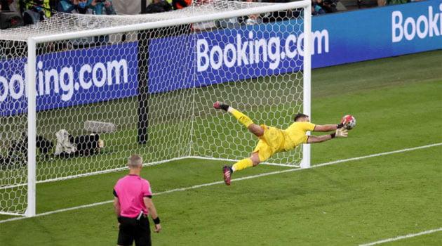 Penalty-ul apărat de Donnarumma a adus Italiei titlul la EURO 2020