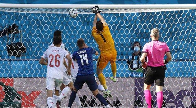 Autogolul lui Dubravka a deschis drumul Spaniei pentru o victorie cu 5-0 în fața Slovaciei