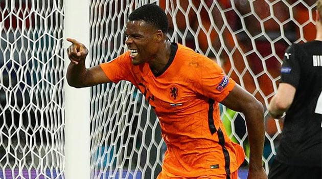Denzel Dumfries, în prim-plan în meciul Olanda - Austria 2-0 de la EURO 2020
