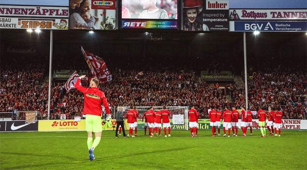 SC Freiburg s-a despărțit cu o victorie de Schwarzwald Stadion unde a jucat timp de 67 de ani