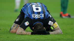 Mauro Icardi a ratat două imense şanse de a marca în meciul Milan - Inter 0-0