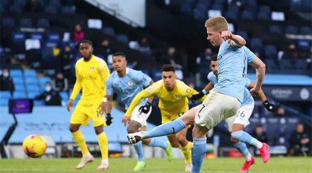 Kevin de Bruyne a transformat un penalty în meciul Manchester City - Fulham 2-0