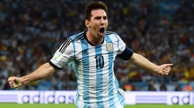 Messi sărbătoreşte golul 50 pentru Argentina