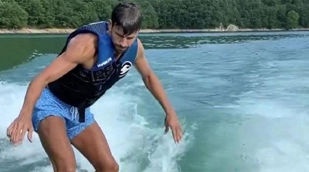 Gerard Pique, wakesurfing