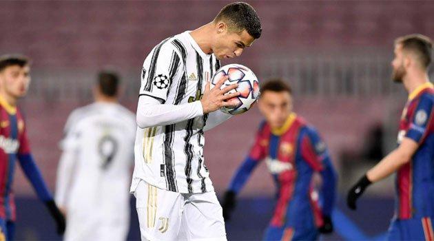 Cristiano Ronaldo a transformat două penalty-uri pe Camp Nou în meciul Barcelona - Juventus 0-3