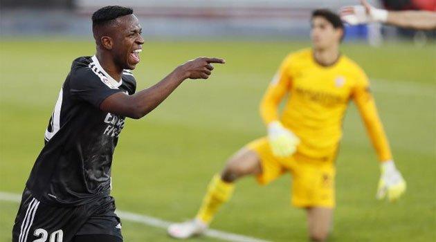 Vinicius a provocat autogolul lui Bono în meciul Sevilla - Real Madrid 0-1