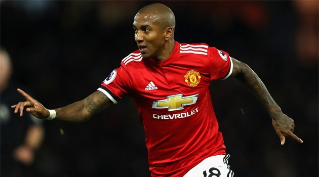 Ashley Young a marcat două goluri în meciul Watford - Manchester United 2-4